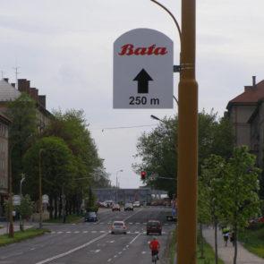 reklama-na-sloupech-veřejného-osvětlení